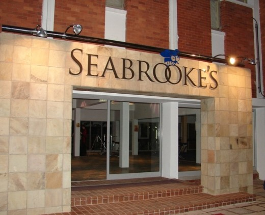 seabrookes_at_night