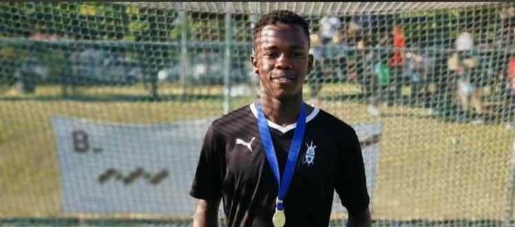 SA U16 Hockey Squad Congratulations to Bagcine Gqweta who was selected for the SA U16 HP Hockey Squad